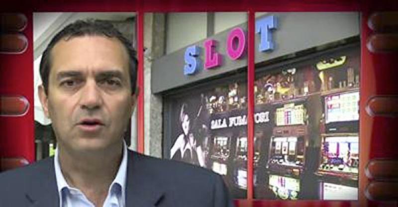 De Magistris: Stop slot machine, il video delle Iene con 7 sindaci italiani  [VIDEO]