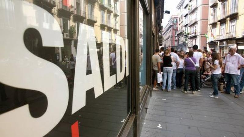 Saldi al via, oggi tocca a Napoli [VIDEO]